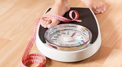 قياس وزنك يوميًا يمنع زيادته