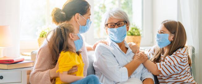 دراسة: اللقاحات قد تقلل فرص انتقال فيروس كورونا بين أفراد العائلة الواحدة
