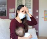 بعد تلقي الأم المرضعة للقاح كورونا