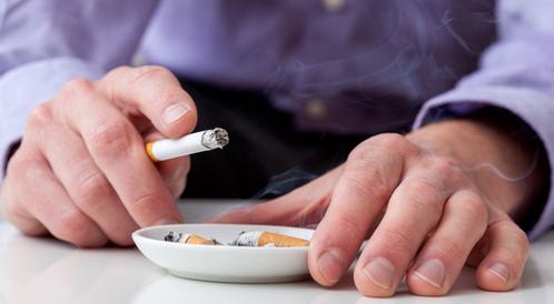 هل يؤثر التدخين على البشرة والشعر؟
