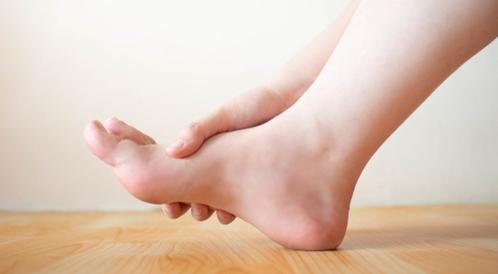 افعل ولا تفعل عند خدران قدمك: صح أم خطأ