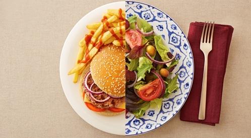 أغذية يفضل تناولها وأخرى تجنبها في رمضان