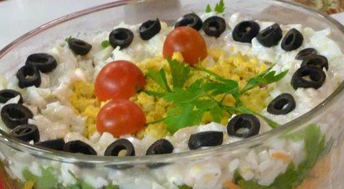 وصفة لتحضير سلطة البيض والتونة بطريقة صحية