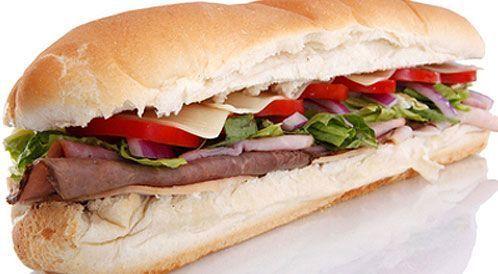 ساندويش شرائح روست بيف