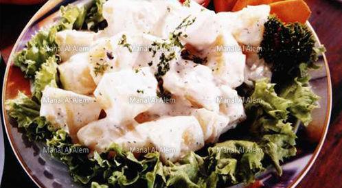 وصفة لتحضير سلطة البطاطس باللبن الخاثر بطريقة صحية