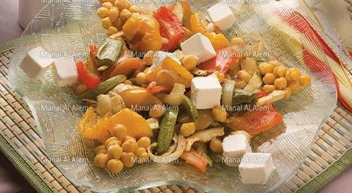 وصفة لتحضير سلطة خضراوات بالجبن بطريقة صحية
