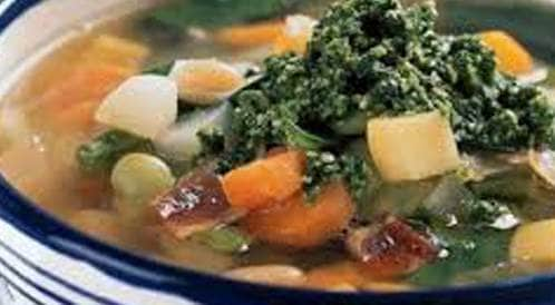 شوربة الدجاج مع الخضراوات