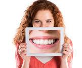 عادات تضر بالأسنان