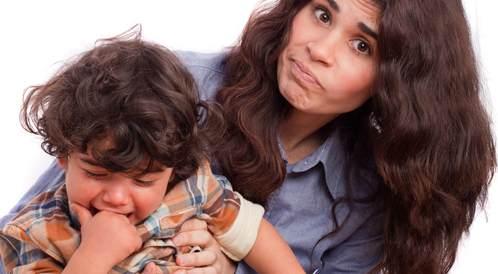 7 أخطاء ارتكبتها مع طفلي