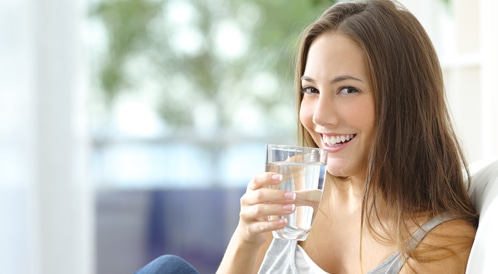 7 فوائد تحفزك على شرب الماء