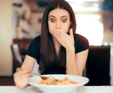 ماذا نأكل بعد التسمم الغذائي؟