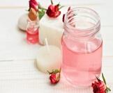 طريقة استخدام ماء الورد للوجه