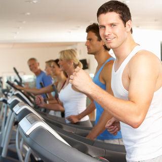المعتقد الرابع: العدسات اللاصقة لا تتناسب مع النشاطات الرياضية
