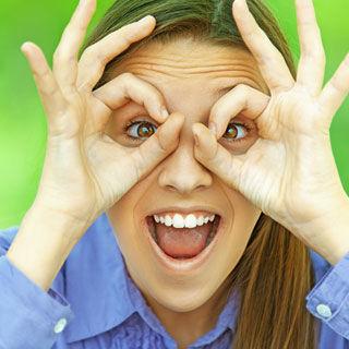 المعتقد السادس: لا يمكن للمراهقين استخدام العدسات اللاصقة