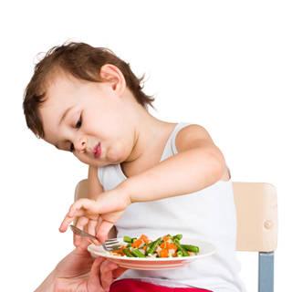 مواجهة الطفل الانتقائي بالغذاء