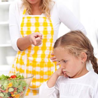 عدم اجبار الطفل على تناول الطعام