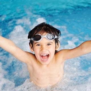 برك السباحة