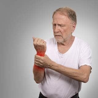 الفئات المعرضة للإصابة بالنقرس