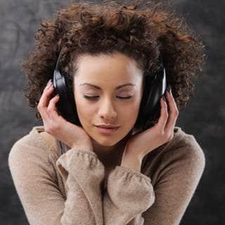 استمع الى الموسيقى