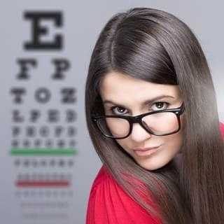 إشارات تحذر من مشكلة في العين