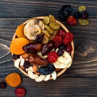 الفاكهة المجففة