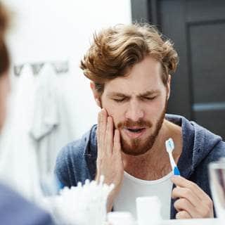 فرك الأسنان بطريقة صحيحة