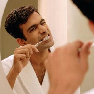 تجنب الإفراط في فرك الأسنان
