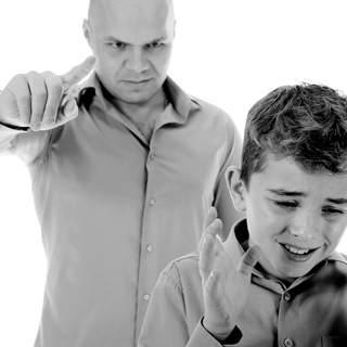 تجنب التوبيخ والاحراج امام الاخرين