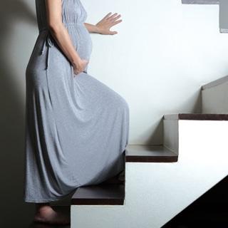 المشي وصعود الدرج