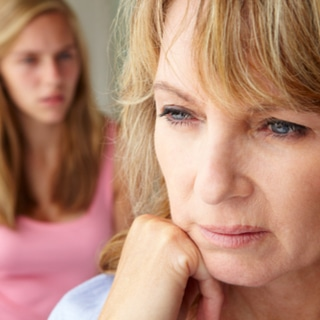 كيف تؤثر الهرمونات على بطانة الرحم؟