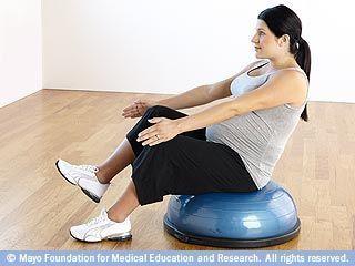 الجلوس بساق واحدة باستخدام تمرين التوازن