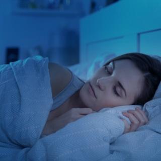 النوم في الظلام يحسن المزاج