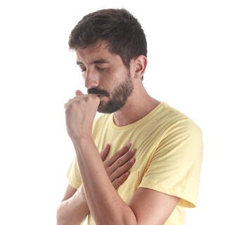 أعراض شائعة للإصابة بCOVID-19