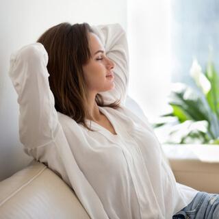 الابتعاد عن مسببات القلق والتوتر