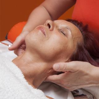علاج اضطرابات عصب الوجه