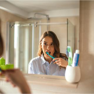 طرق الوقاية من اصفرار الأسنان