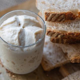 الخبز المصنوع من العجينة المخمرة