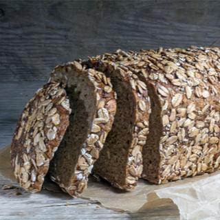الخبز المصنوع من الحبوب الكاملة