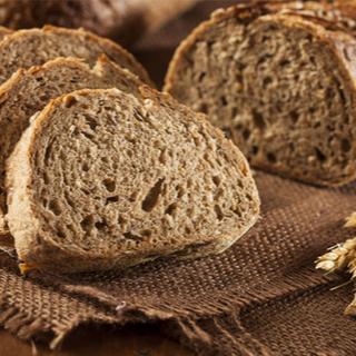 خبز القمح (الخبز الكامل)