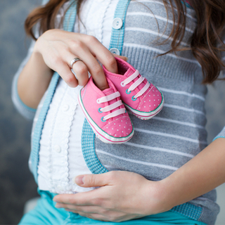 تمارين لتسهيل الولادة وفتح الرحم بالصور