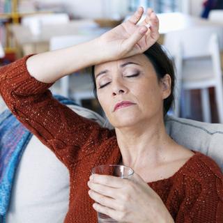 الأعراض المصاحبة لتضخم الغدد الليمفاوية تحت الإبط