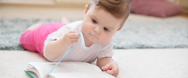 كيفية اختيار قصص للأطفال الرضع