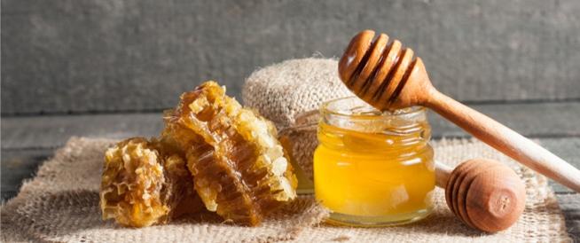 فوائد العسل الذهبية