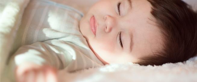 نوم الرضيع: ما المسموح وما الممنوع؟