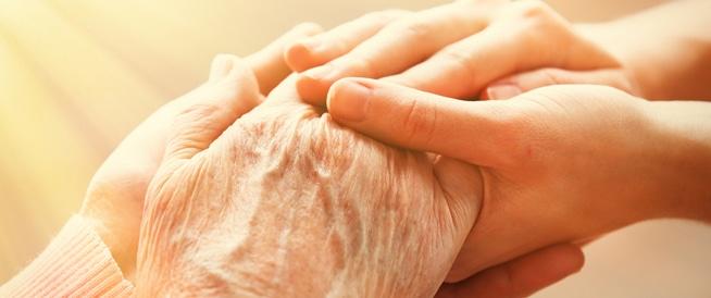 بر الوالدين المسنين ورعايتهم