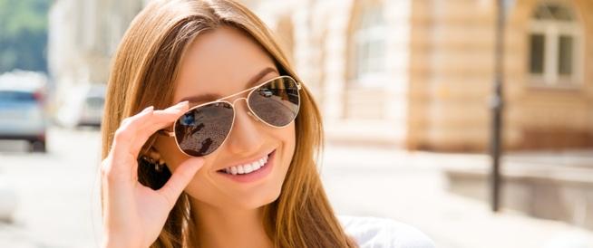 النظارات الشمسية: أمر ضروري أم مجرد موضة؟