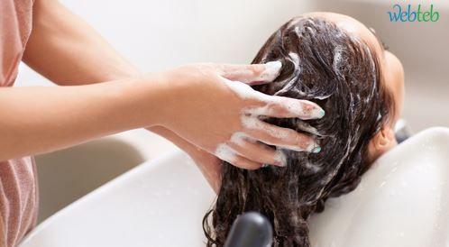 طريقة غسل الشعر الصحيحة والصحية!