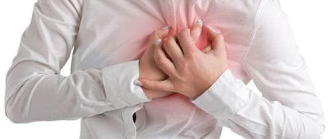 اعراض الجلطة القلبية النسائية: انتبهي إليها!