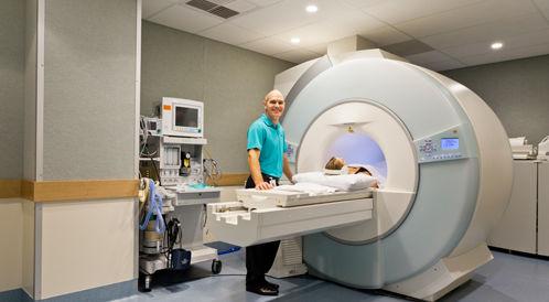 كيف يعمل جهاز الرنين المغناطيسي MRI؟