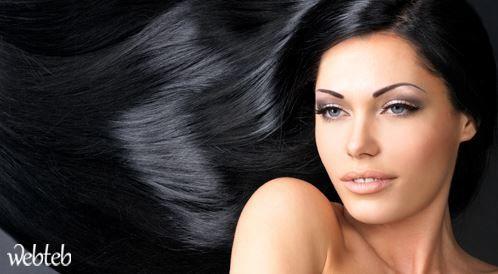 تمليس الشعر طبيعيا: هكذا يمكن أن يحدث الأمر بشكل سلس !